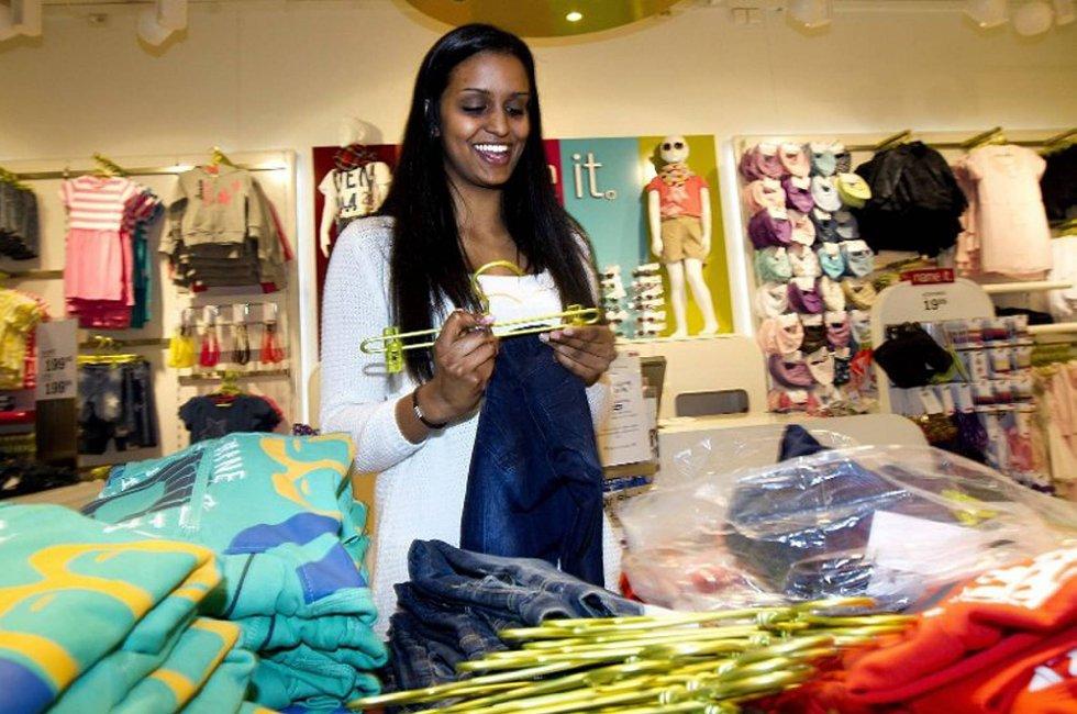 Janusha Baheerathan mener hun kan takke familien for å ha skapt en egen mentalitet i forhold til skolearbeid.