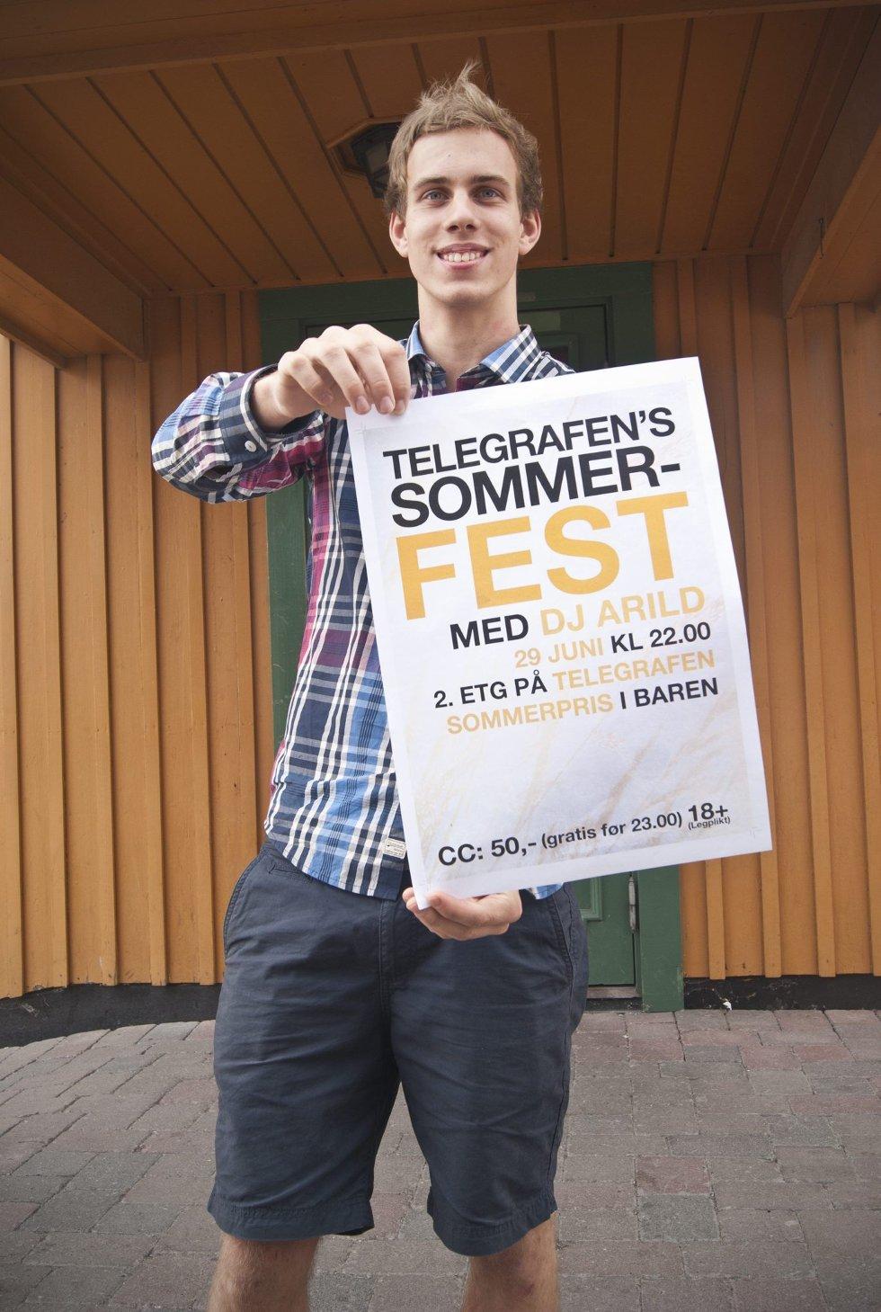 MARKEDSFØRER: Gjengens grafiker, Matias Hynne, har designet plakaten som skal informere Kongsvingers ungdom om arrangementet.