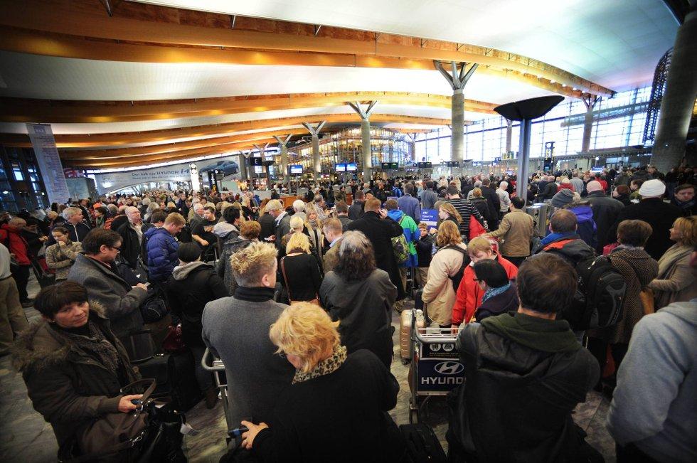 I helgen møtes Norsk Flygelederforening og arbeidsgiveren Avinor, representert ved Spekter, hos Riksmekleren. Blir det ikke enighet innen fristen ved midnatt natt til mandag, er det fare for kaos ved en rekke flyplasser.