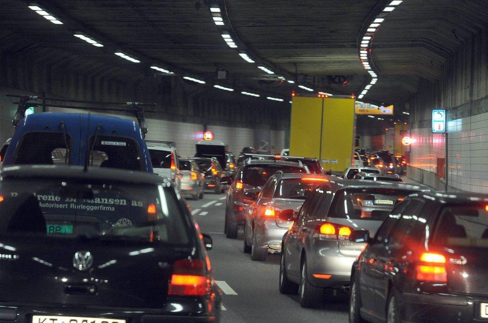 Det er mange som kjører bil uten å ha førerkortet i orden.