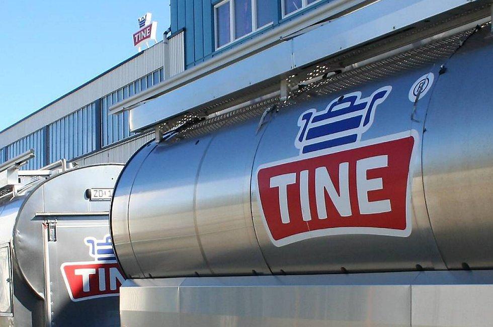 Tine er ilagt en bot på én million kroner etter at en ansatt døde da han skulle rengjøre en juicetank.