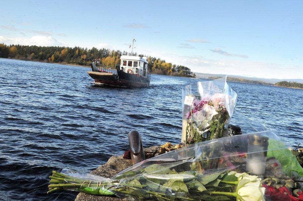 Det første minnesmerket etter 22. juli ble avduket på Orkanger lørdag, med minnekonsert for Sondre Kjøren, som ble drept på Utøya i fjor.