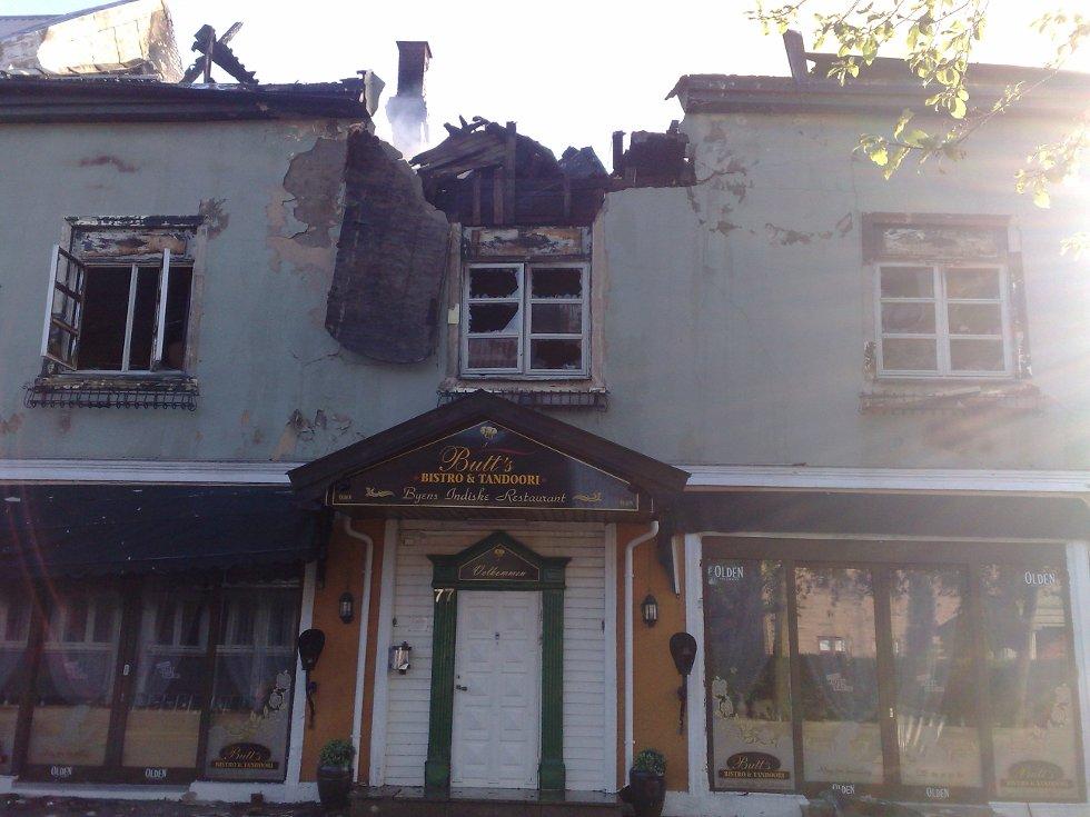 RASER: St. Mariegate 77 må rives etter nattens brann. (Foto: JARL M. ANDERSEN)