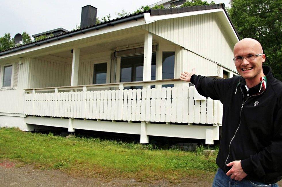 Vær så god: Huset ble sist renovert på starten av 2000-tallet. Tommy Finstad gir det nå gratis vekk til dem som får det fjernet fra tomta.