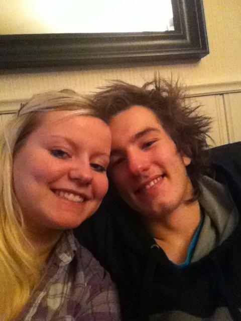 SOMMERKYSS: En sommerhilsen til verdens beste kjæreste  Fredrik Gundersen :-) Jeg savner deg masse :-) Kyss fra jenta di :-) (Foto: )