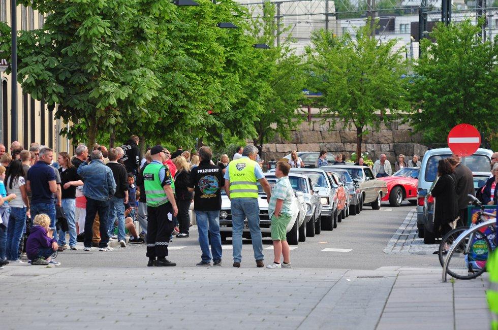 SKAPTE KØ: Amcar-curisingen i Lillestrøm sentrum onsdag førte til at flere bilister ble stående i kø, blant annet i Rælingstunnelen.