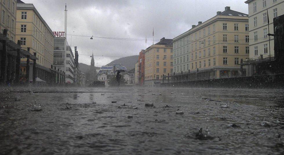 Slik så det ut på Torgallmenningen klokken 1251 tirsdag 17. juli 2012.