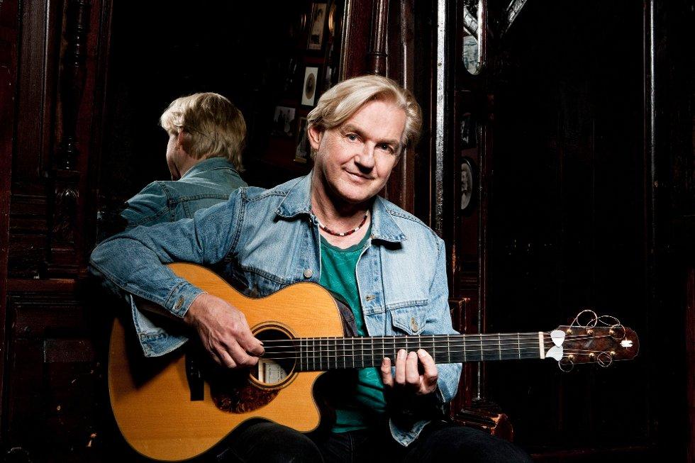Finn Kalvik kommer til Vertshuset Café & Bar på Vesteng førstkommende lørdag. (Pressefoto)