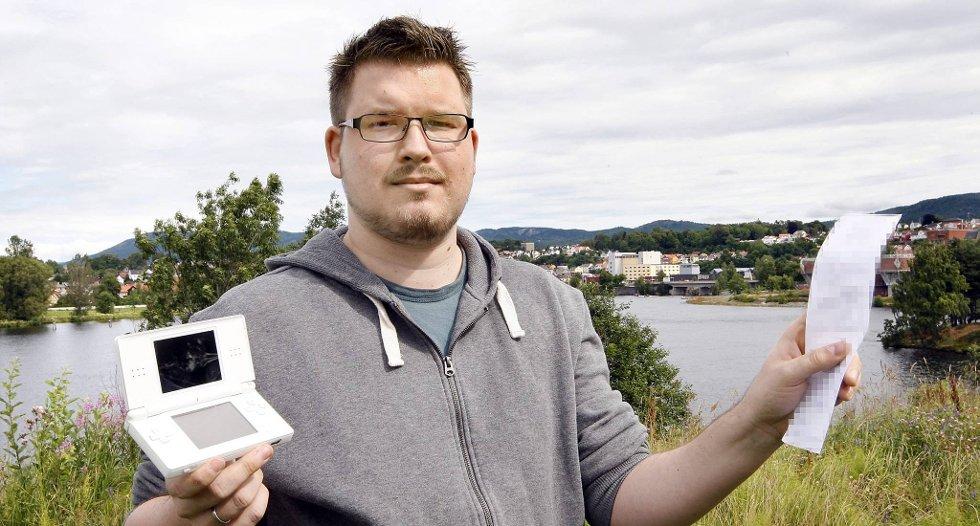 HENLAGT: Stian Fossum i Skien anmeldte en antatt innbruddstyv med navn og adresse, som hadde stjålet spillmaskinen og pc-en hans, men saken ble likevel henlagt av politiet.