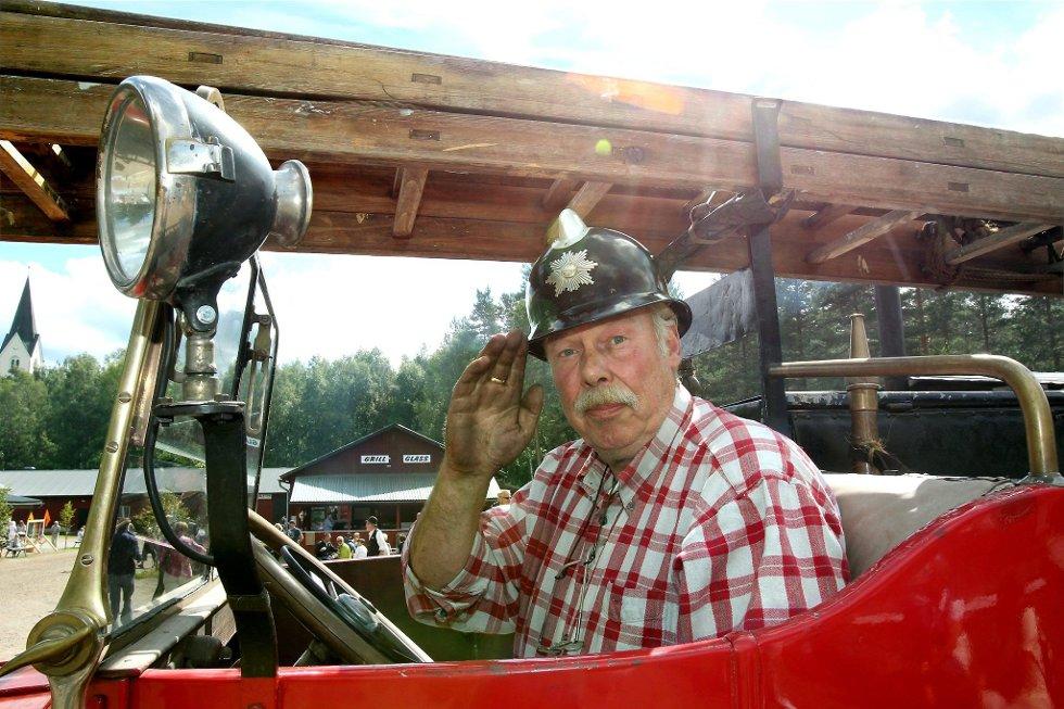 Gammelvala i Brunskog 2012. Arne Øverby fra GUMF i Kongsvinger deltok for 20. gang, nå med bla nt annet med denne gamle brannbilen. FOTO: FREDE Y. ERIKSEN *** Local Caption *** Foto: Frede Y. Eriksen (Foto: )