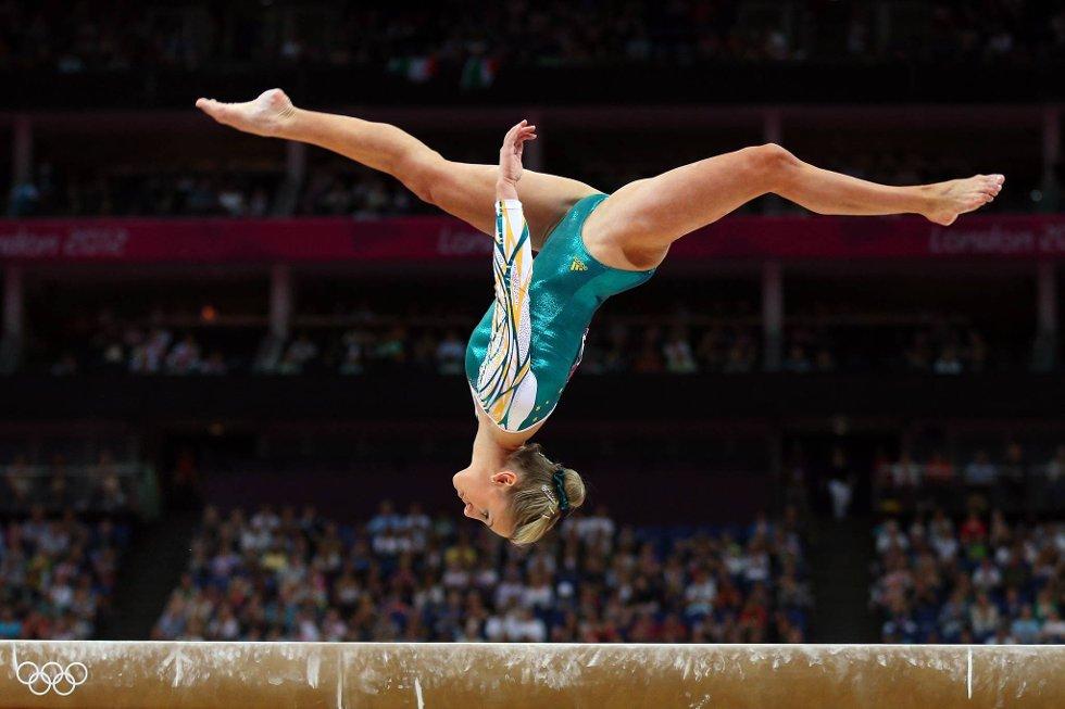 Asleigh Brennan er opp/ned. (Foto: Cameron Spencer, Getty Images/All Over Press/ANB)