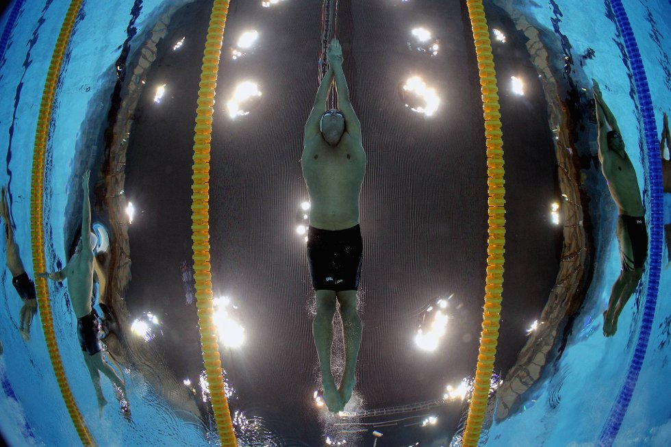Slik har du neppe sett superstjernen Ryan Lochte. (Foto: Clive Rose, Getty Images/All Over Press/ANB)