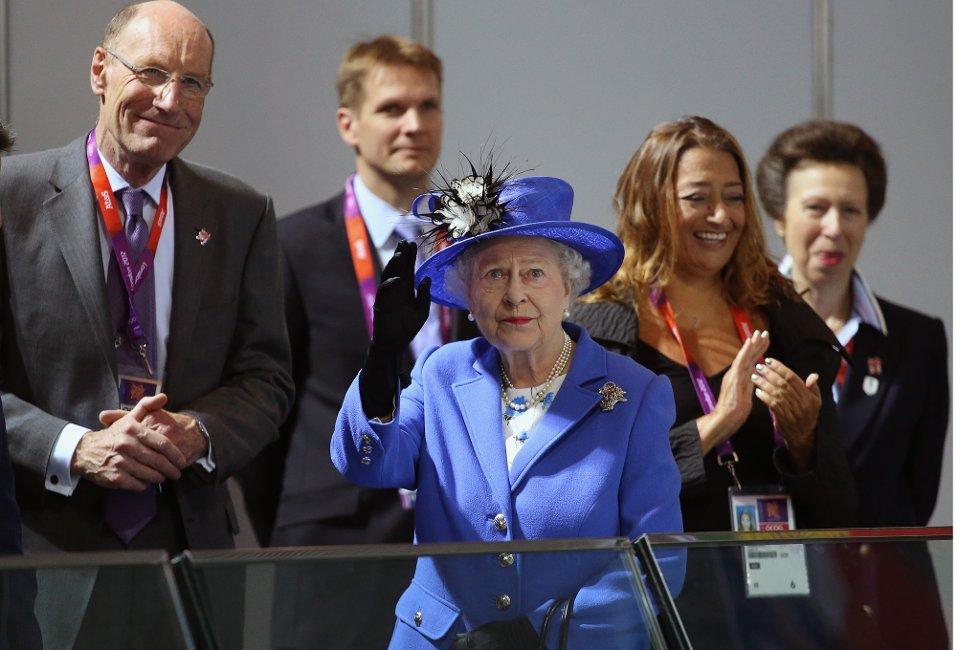 Kongefamilien, med dronning Elizabeth i spissen, fikk seg en nedtur.