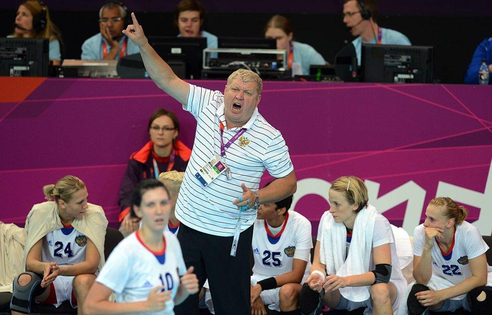 Den russiske treneren Jevgenij Trefilov gir som vanlig alt fra benken. (Foto: Vidar Ruud, ANB)