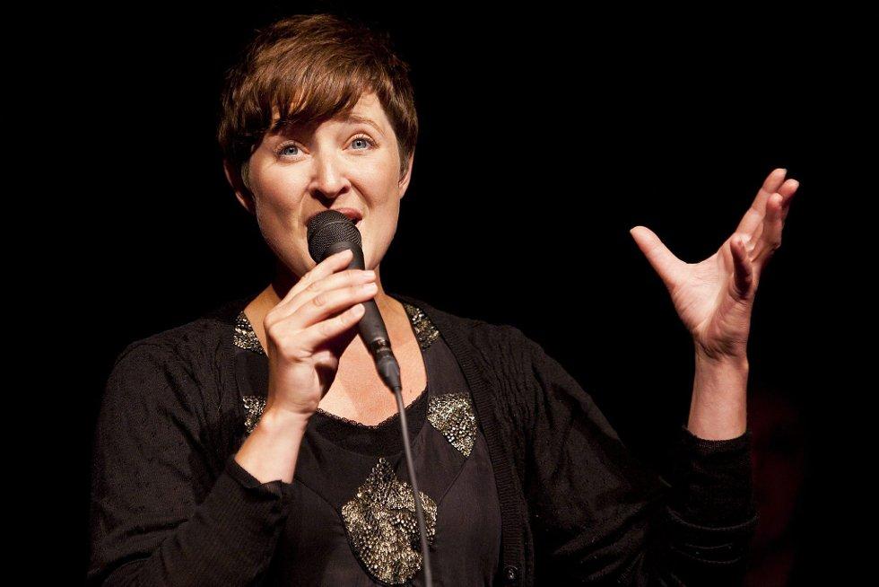 Vakker vokal: Hilde Dahl har en nydelig stemme, og leverte mange gode sanger fra Galeiscenen.