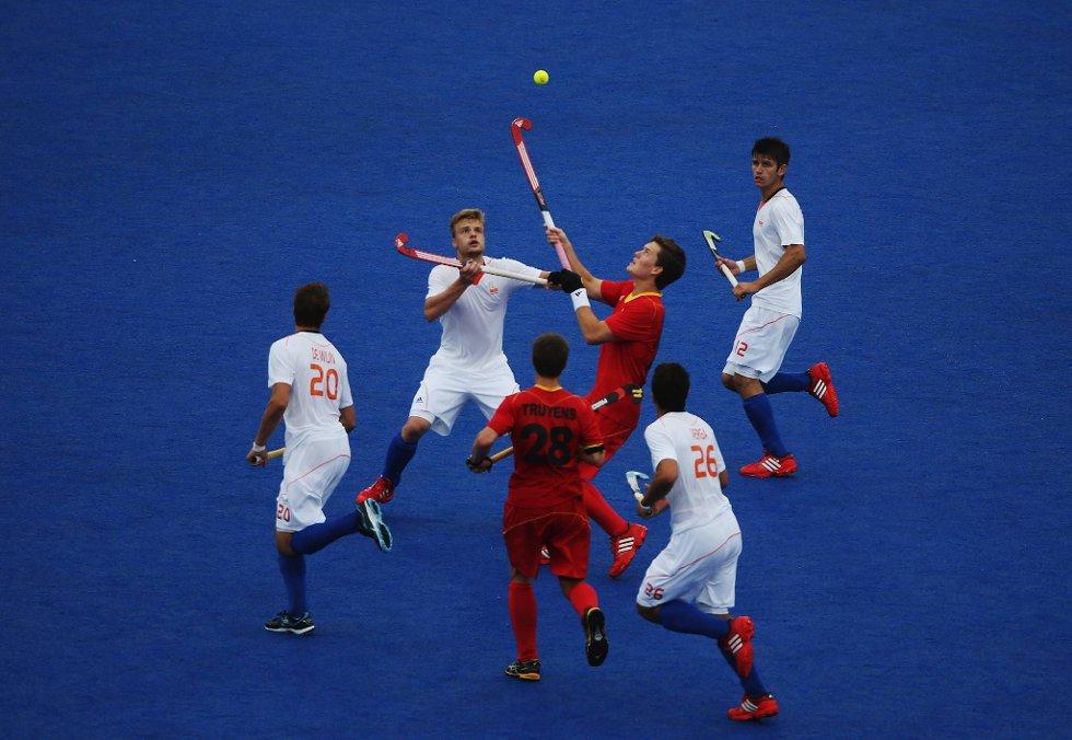Hei, det heter landhockey og ikke lufthockey. (Foto: Daniel Berehulak, Getty Images/All Over Press/ANB)