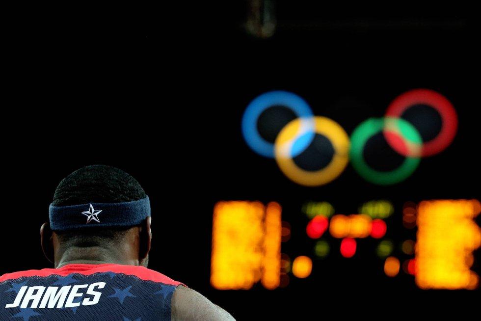 USAs basketstjerner har tatt OL med storm. Her en av superstjernene, LeBron James. (Foto: Christian Petersen, Getty Images/All Over Press/ANB)