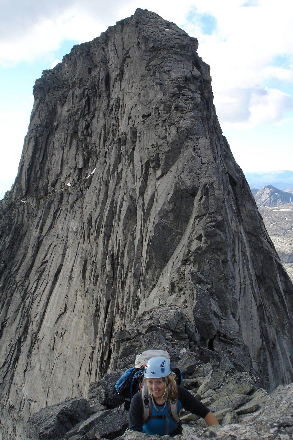 Klatring på Norges nasjonalfjell, Stetind, er ikke for den med høydeskrekk.