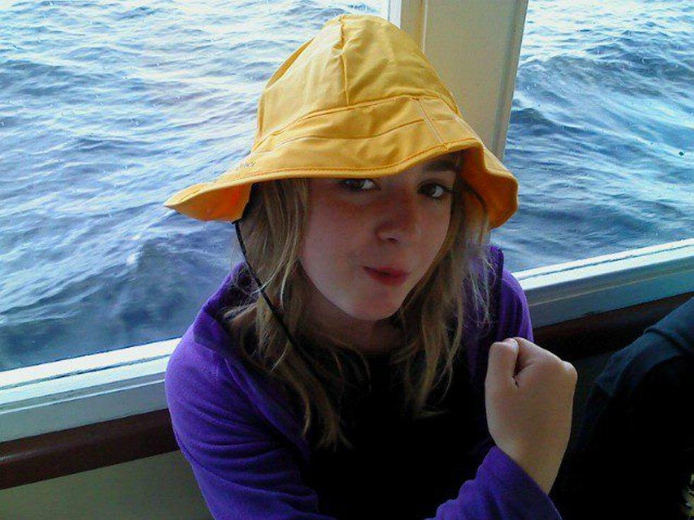 Ship o?hoi: Tuva-kaptein ønsker alle en god sommer. Foto: Wencke Eibak Grepperud (Foto: )