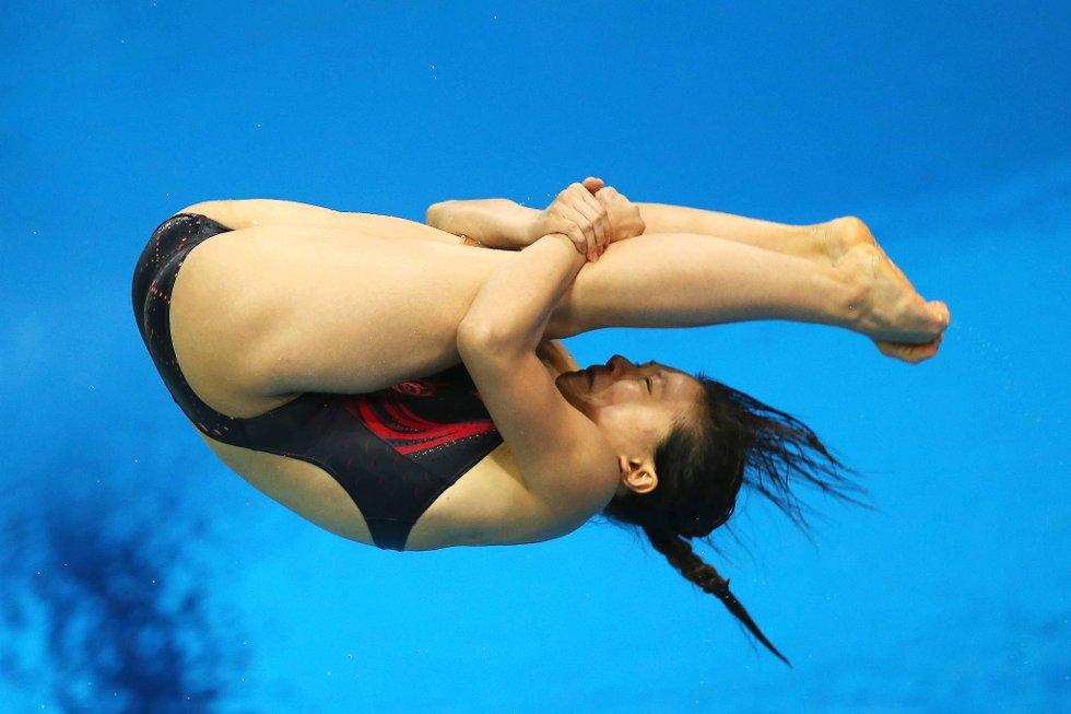 Kinesiske Zi He stuper i et voldsomt tempo. (Foto: Clive Rose, Getty Images/All Over Press/ANB)