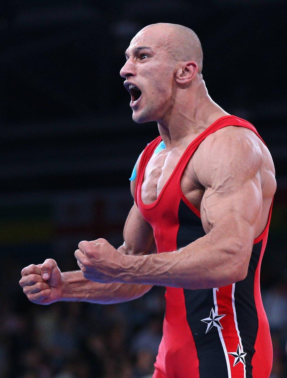 Ikke muskelløs, men muskuløs. Egypteren Karam Mohamed Gaber er rett og slett en råtass, og tok da også gullet i gresk-romersk bryting klassen 84 kilo. (Foto: Cameron Spencer, Getty Images/All Over Press/ANB)