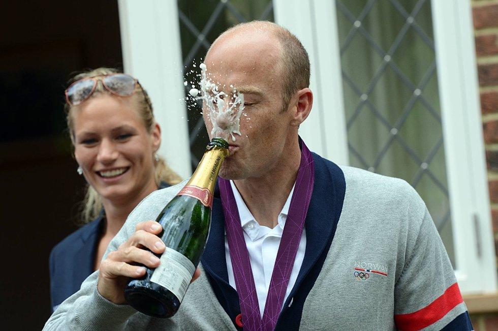 Eirik Verås Larsen klarte seg bedre i OL-finalen enn da han skulle feire triumfen med champagne. (Foto: Vidar Ruud, ANB)