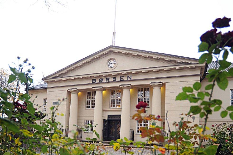 Blant de mest omsatte selskapene på Oslo Børs denne dagen, kan i tillegg Subsea 7 glede seg over en oppgang på 1,3 prosent, men ellers lyser det rødt øverst på listen.