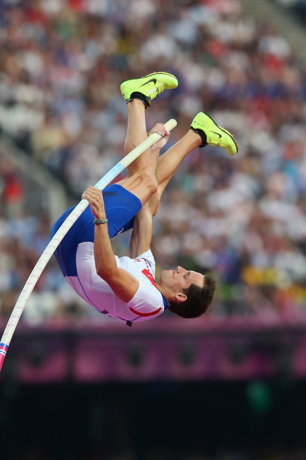 Den franske europamesteren Renaud Lavillenie i aksjon i stavfinalen. (Foto: Alex Livesey, Getty Images/All Over Press/ANB)