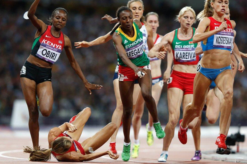 Drama i 1500 meter-finalen da Morgan Uceny, USA, gikk over ende en snau runde før mål. (Foto: Jamie Squire, Getty Images/All Over Press/ANB)