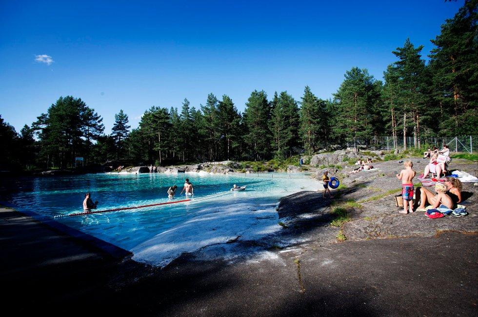 STRØMLØS: Bader?n åpnet i 1961 og skulle gi folk et tryggere sted å bade enn i farlige Glomma. ALLE FOTO: MARTIN LUNDSVOLL