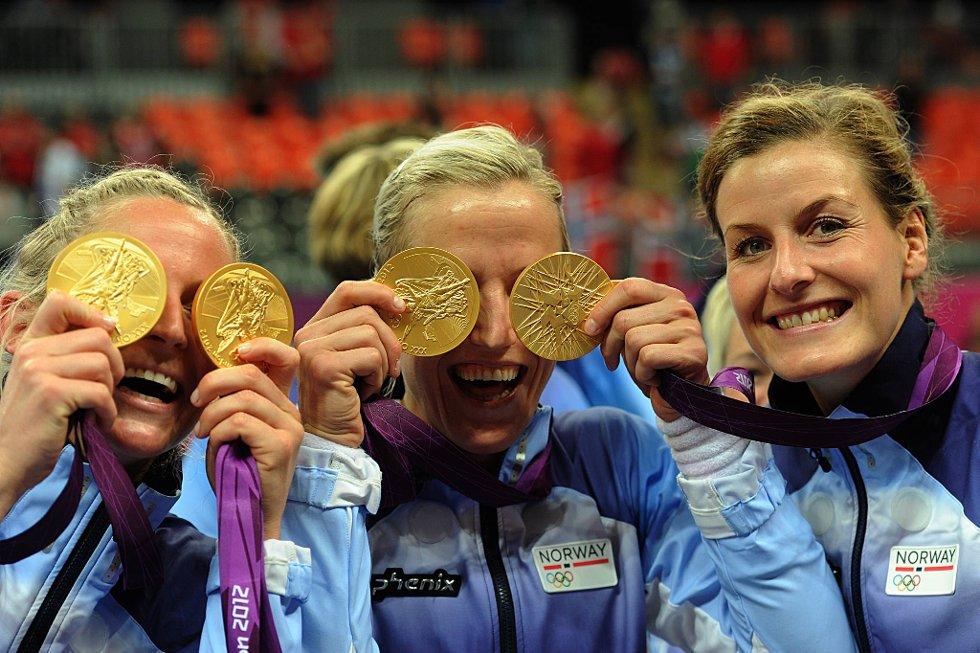Ida Alstad, Heidi Løke og Linn-Kristin Riegelhuth Koren fikk sitt OL-gull. (Foto: Vidar Ruud, ANB)
