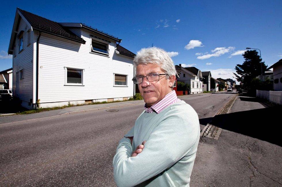 Arnfinn Fagerli trodde boligsalget sentralt i Lillestrøm skulle bli enkelt. Fire måneder etter første visning er det bare å sette ut visningskiltene igjen