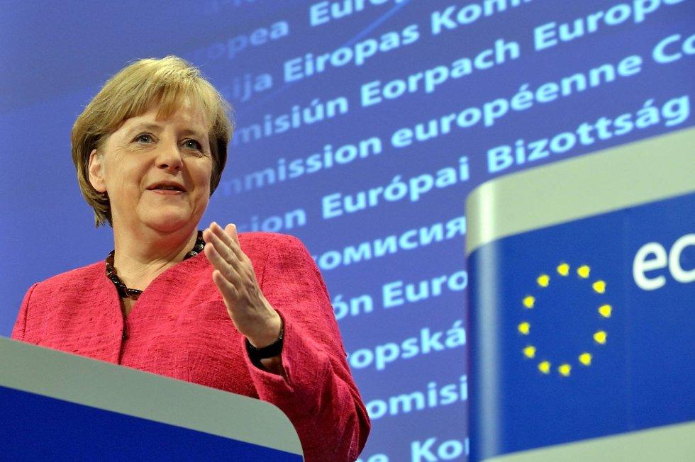 Asiatiske markeder steg fredag etter at Tysklands statsminister på ny forsikret investorene om at hun akter å redde eurosonen.