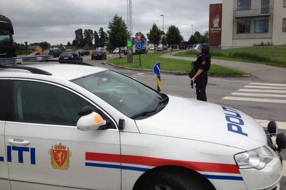Hafslund skole i Sarpsborg ble evakuert etter bombetrussel mandag.
