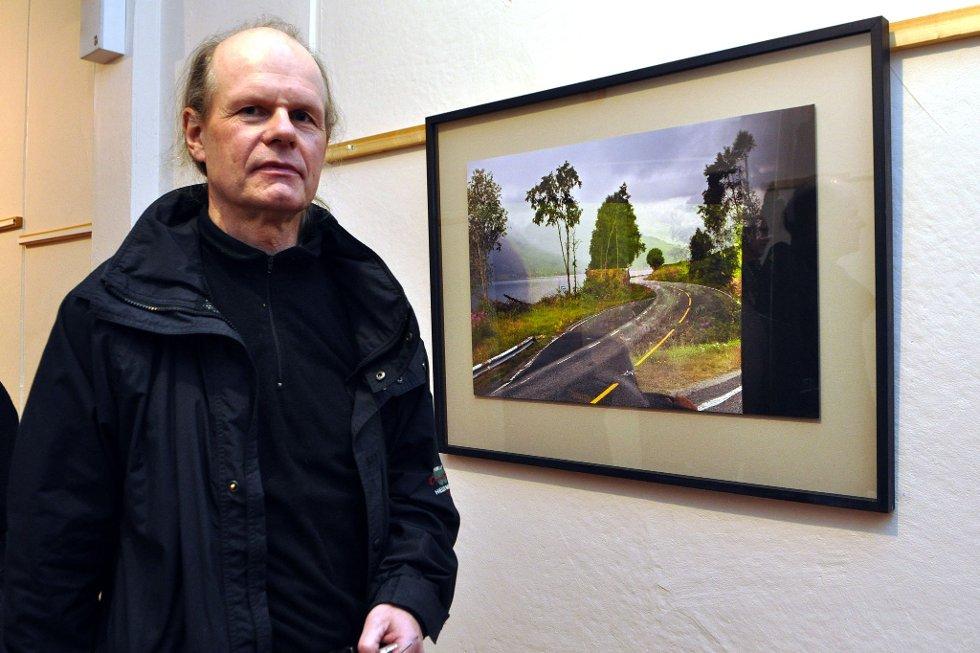 BLIR BOK: Fotograf Jens Hauge, her frå ei utstilling i 2010.