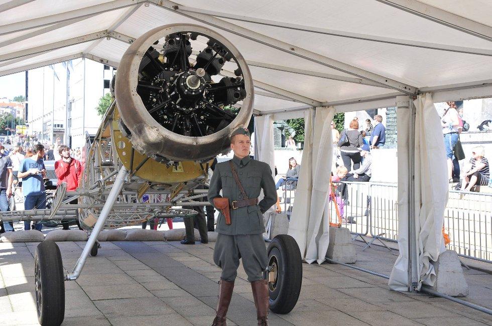 Som en feiring på luftforsvarets 100-årsjubileum arrangerer Forsvaret Norsk Militær Luftmakt 2012 (Foto: Øystein Bjerkestrand, ANB)