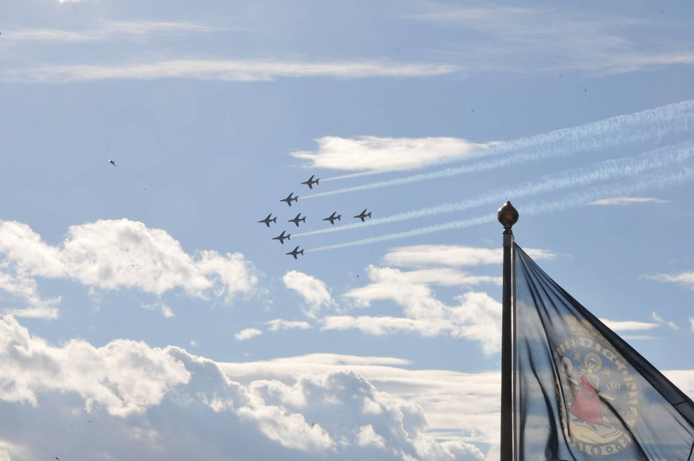 Som en feiring på luftforsvarets 100-årsjubileum arrangerer Forsvaret Norsk Militær Luftmakt 2012  (Foto: Øystein Bjerkestrand)
