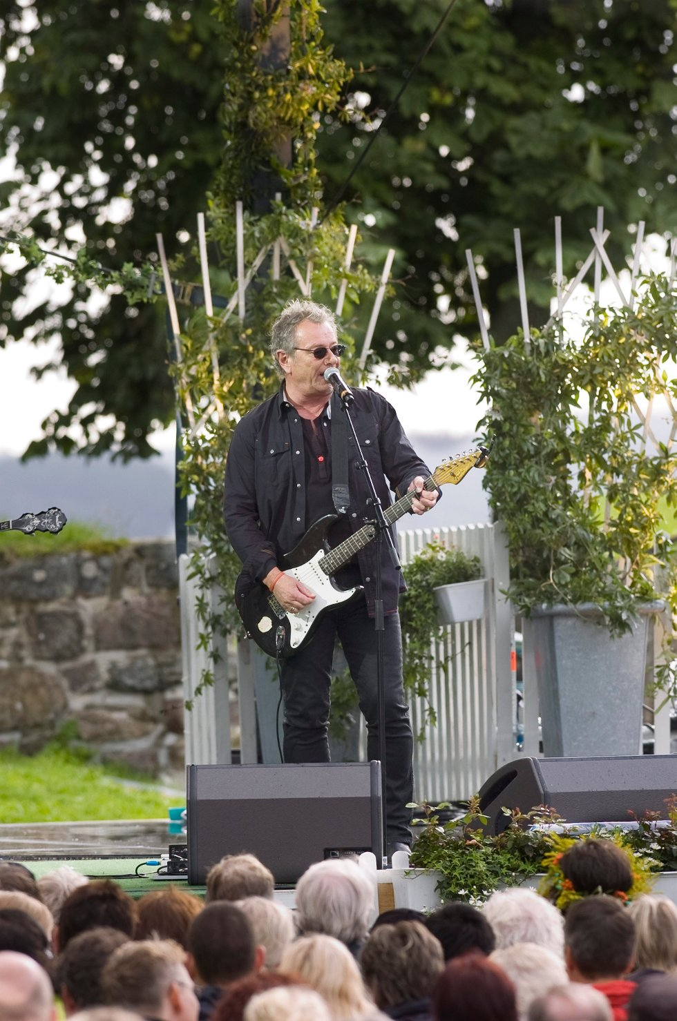 Åge Aleksandersen gjestet Allsang på Grensen i 2008. Fire år senere står han på scenen i Brygga kultursal.