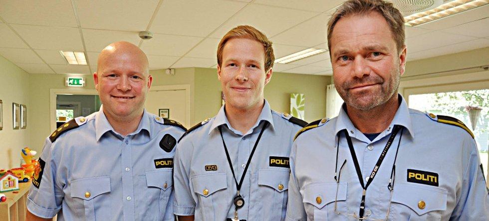 nytt mannskap: Jørn Solheim (til høyre) har fått med seg Espen Valsgård (40) og Olav Bechensteen (22) til å drive forebyggende arbeid ved Indre Østfold politistasjon.