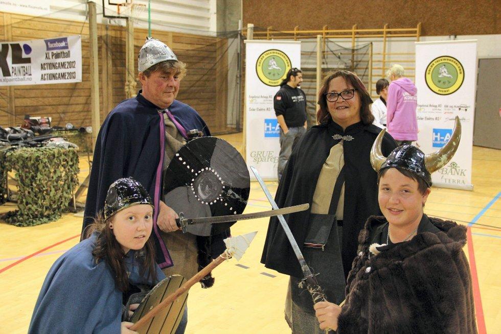 NOE FOR ALLE: Over 30 utstillere viste fram sine hobbyer under aktivitetsmessa i Åsneshallen. FOTO: MORTEN I. SCHEI