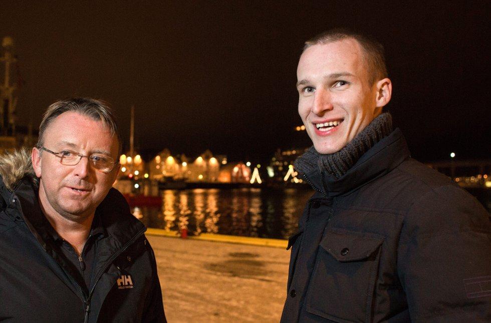 BLIR TIL-SPILLER: Jaroslaw Fojut blir TIL-spiller de neste 2,5 årene. Her med hovedtrener Agnar Christensen (t.v). Foto: Ole Åsheim