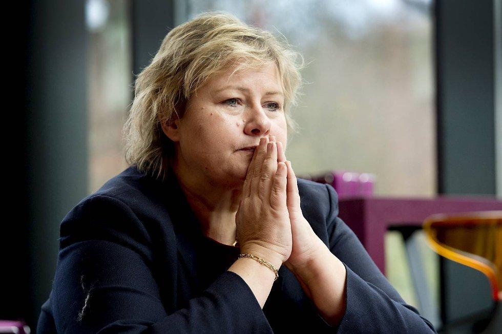 Høyreleder Erna Solberg er lite imponert over SVs utspill mot byrådet i Bergen.