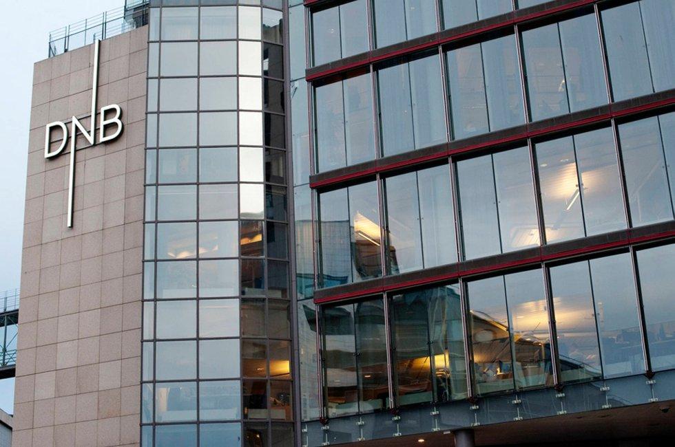 Stadig flere nordmenn lar være å oppsøke banken når de skal ha utført banktjenester.