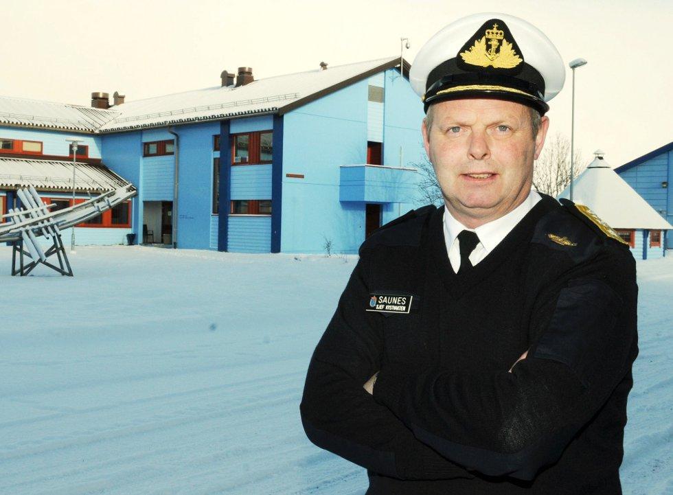 - Vi får stadig tips om dumping, sier kystvaktsjef Lars Saunes.