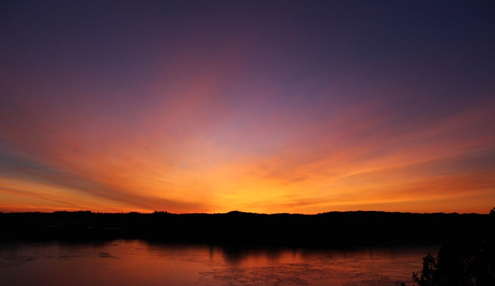 Fantastisk solnedgang i Sund kommune :)                  (Foto: Marianne Berge )