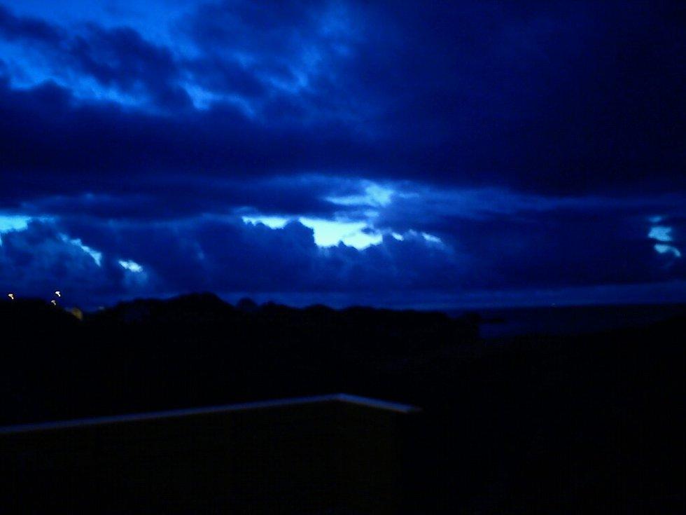 Magisk om kvelden ut i havet. (Foto: Leserbilde)