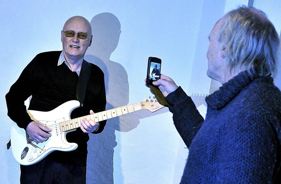 DØD: Han har vært kreftsyk lenge. I dag døde musiker Thor Hilmersen på sykehuset i Uddevalla. Harald Otterstad gjorde et stort intervju med ham før jul i 2012. (Foto: Jarl M. Andersen)