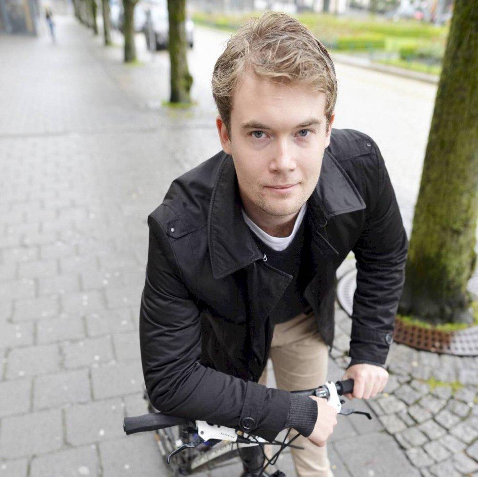 Erlend Horn i Bergen Venstre er uenig i Vinmonopolet sin prioritering og s er kritisk til at Bergen skal ha et mindre utvalg enn Oslo.
