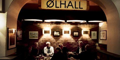 Ølhallen er Tromsøs eldste pub og serverer kun byens eget øl: Mack.