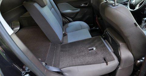 Mokka har i flatt gulv når setet legges ned.